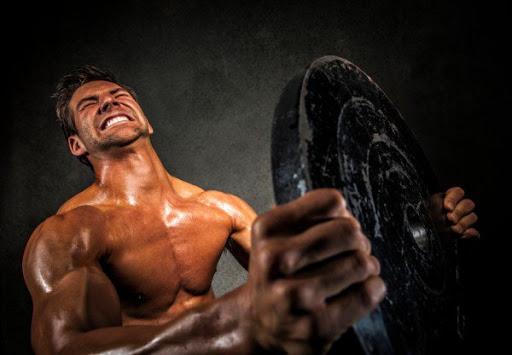 Усиленные тренировки с весами.
