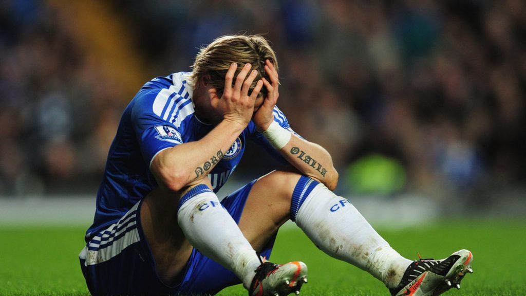 спортсмен не может бороться со стрессом после поражения в футбольном турнире