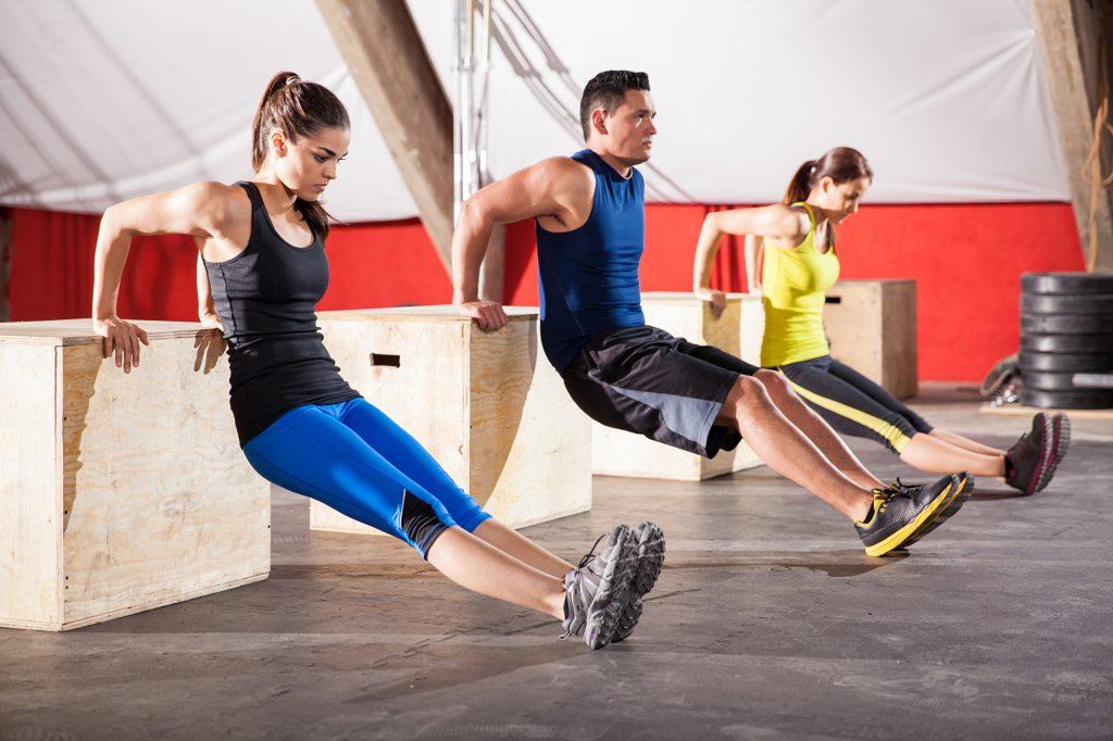 Спортсмены концентрируются на тренировке