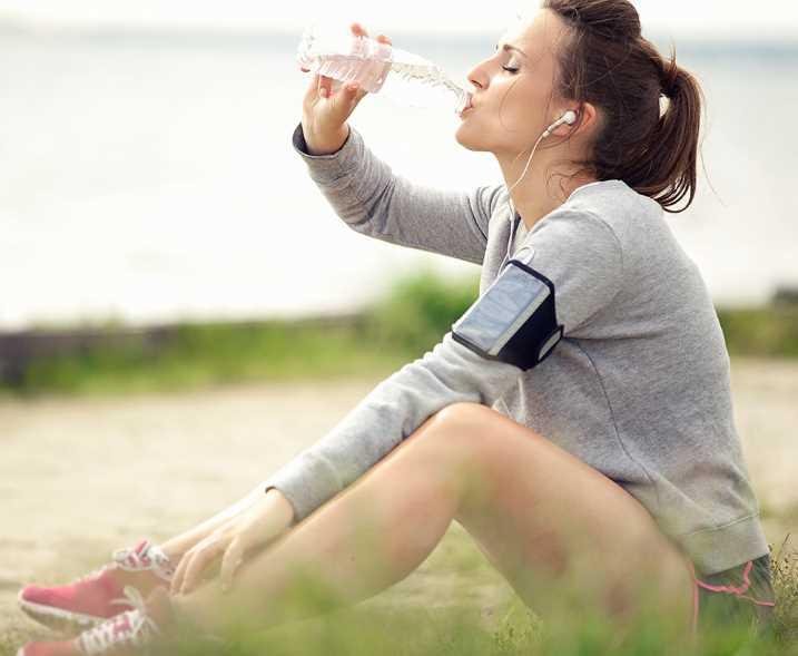 Во время бега нужно пить много воды