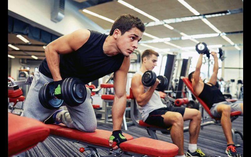 У спортсменов проходят тренировки с отягощением
