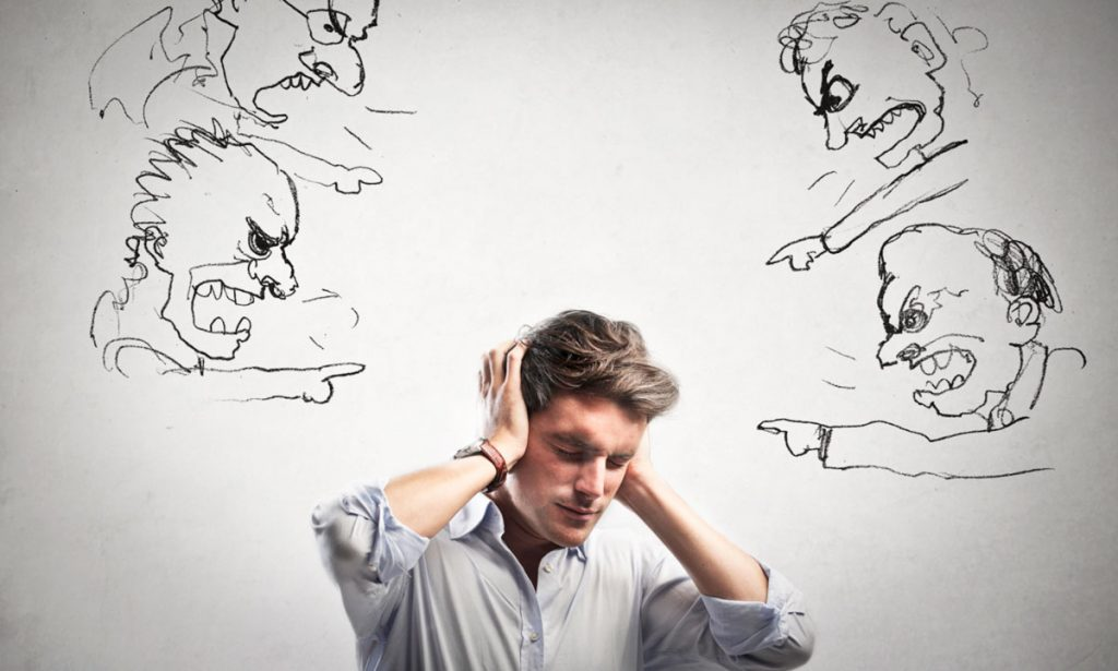 избегайте критики, чтобы поднять самооценку и вернуть уверенность в себе