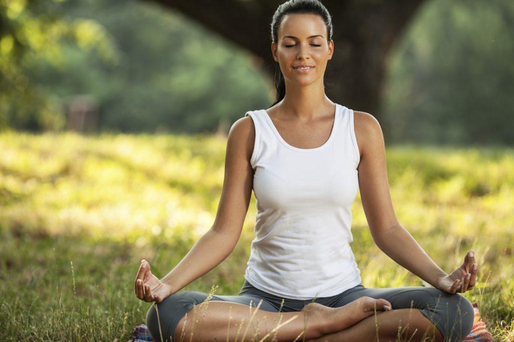 дыхательные упражнения для успокоения в йоге