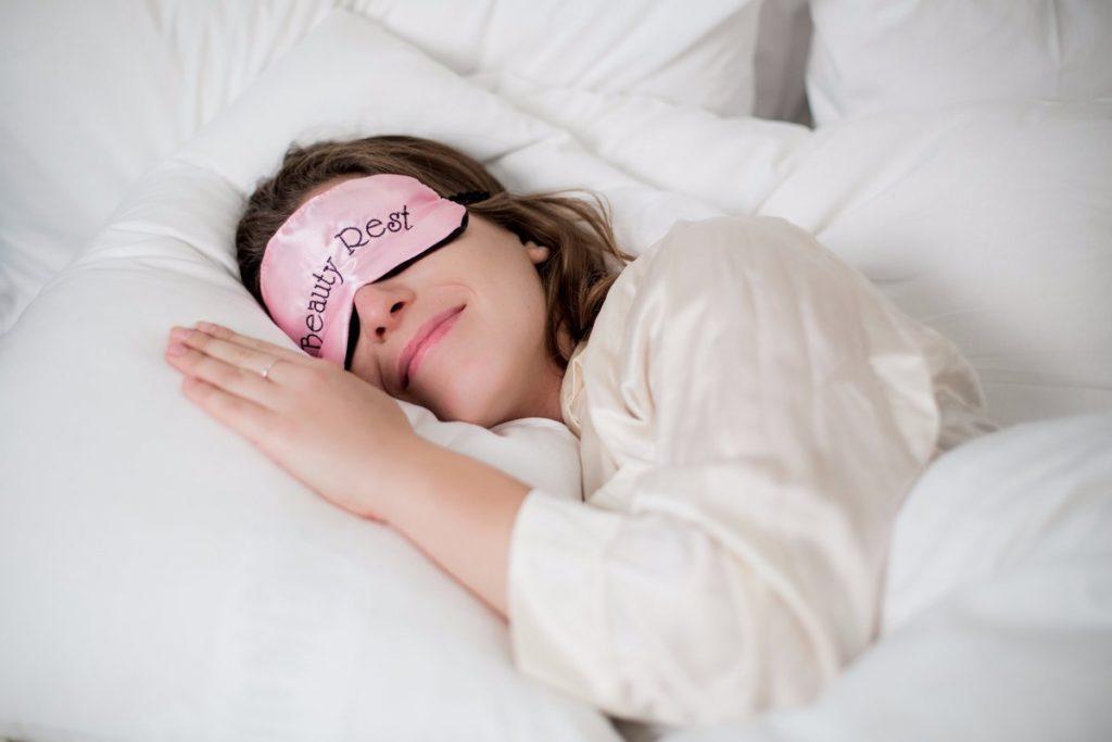 сон помогает ускорить метаболизм и сбросить лишний вес