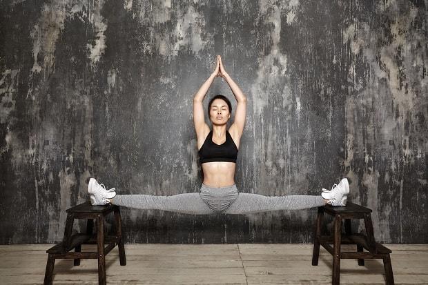 Упражнения для растяжки ног. Растяжка мышц ног, чтобы сесть на шпагат.