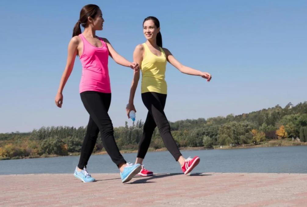 Разбираемся как ходьба помогает справиться с лишним весом