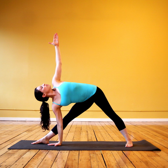Йога для улучшения пищеварения - 3 упражнения