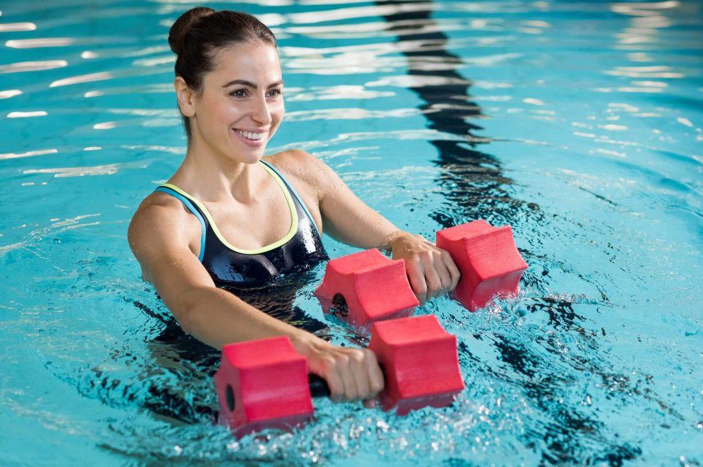 Сколько и как плавать, чтобы похудеть?