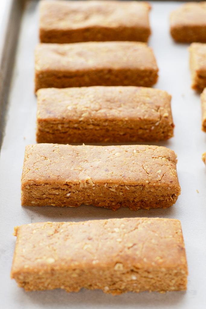 Рецепт протеиновых батончиков из арахисовой пасты - просто и вкусно!